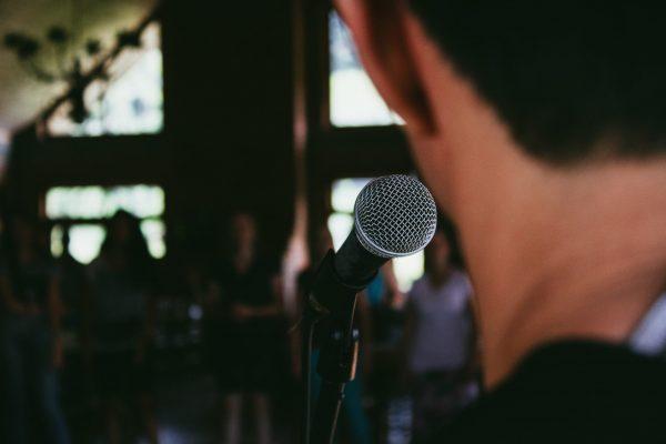 Cara mengatasi cemas berbicara di depan umum